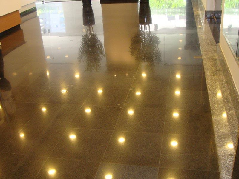 Empresa especializada em limpeza de granito
