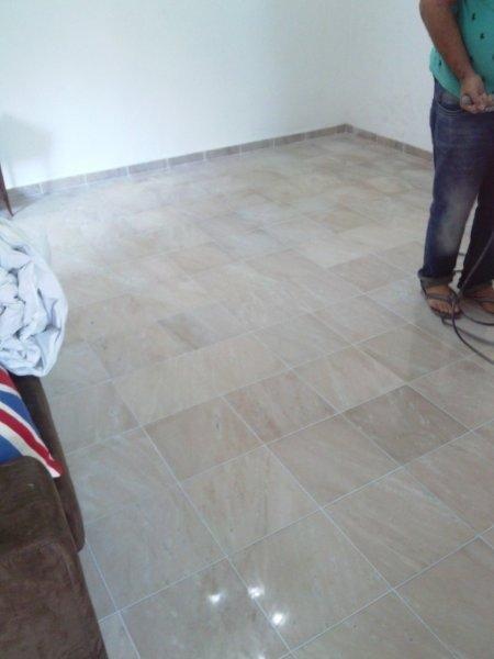 Lavagem de piso a seco