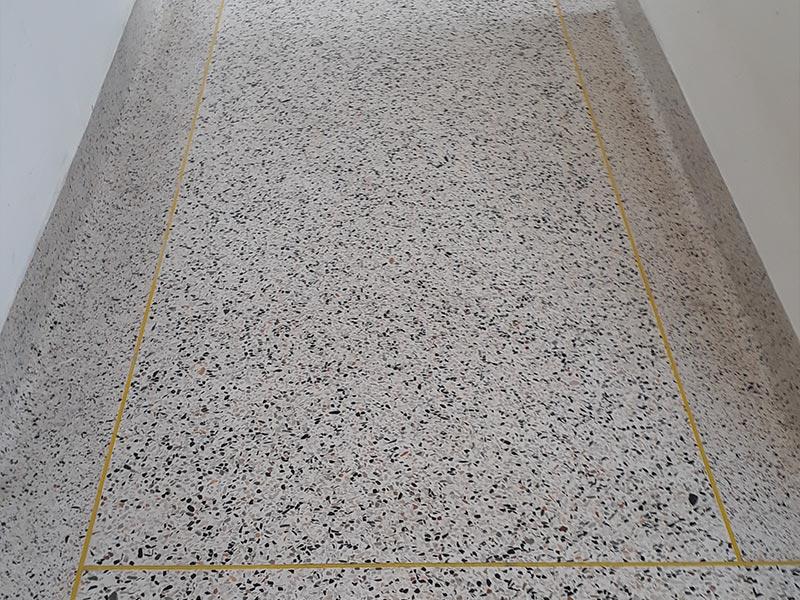 Limpeza de granilite